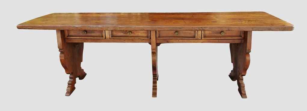 Grande tavolo di presentazione del XVII secolo