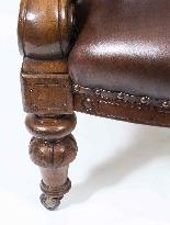 Poltrone in pelle vittoriana inglese coppia antica c.1880-5