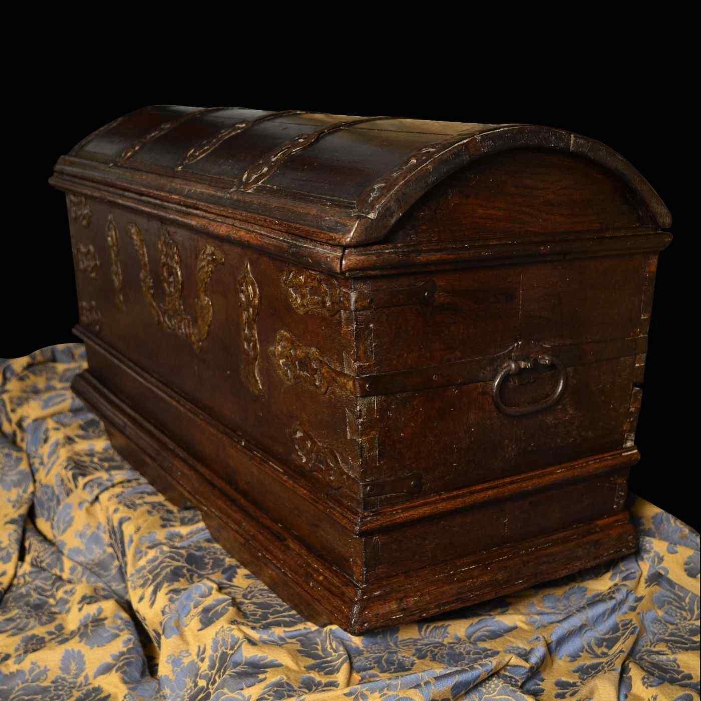 Antique 16th century Dutch treasure chest