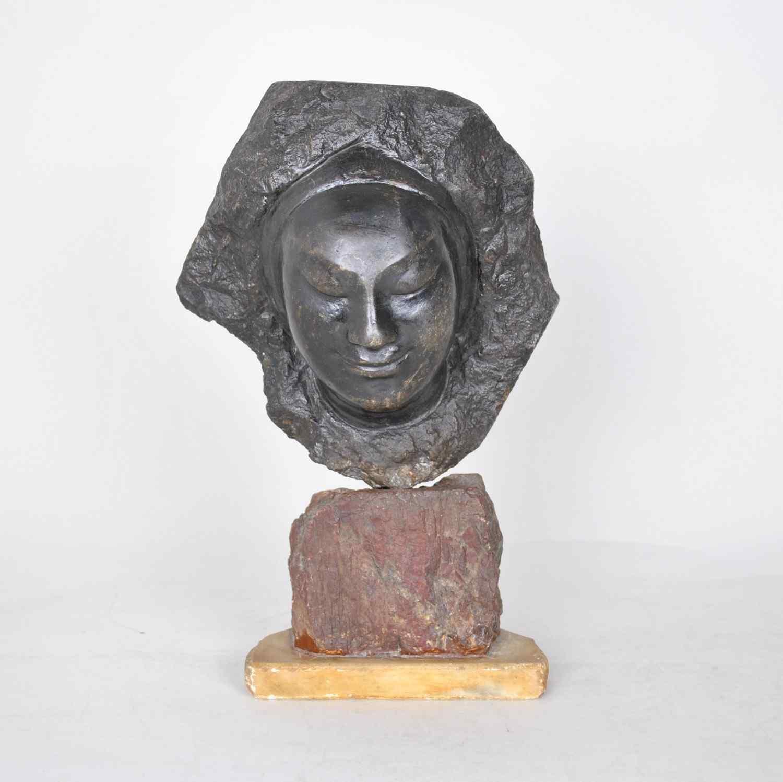 Bartellety, volto femminile in pietra, scultura firmata, 20e