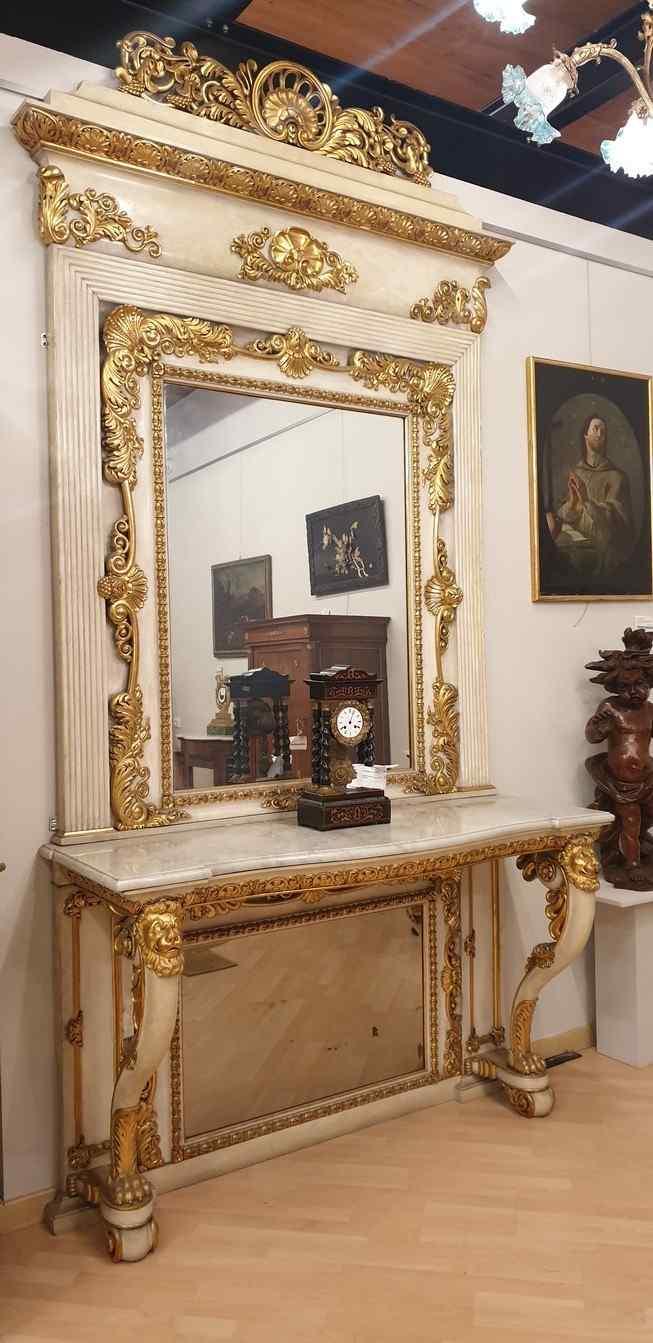 Grande console e specchio, legno laccato e dorato, Toscana,