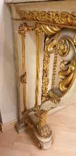 Grande console e specchio, legno laccato e dorato, Toscana,-1