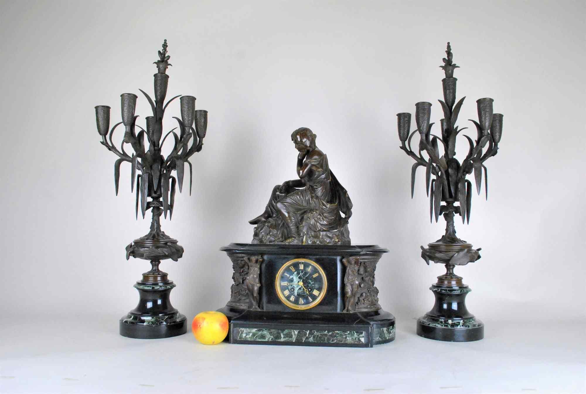James Pradier, Garniture De Nemausa, bronzo e marmo, XIX sec