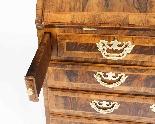Antico burrone George II e figurato in noce, ufficio del XVI-4