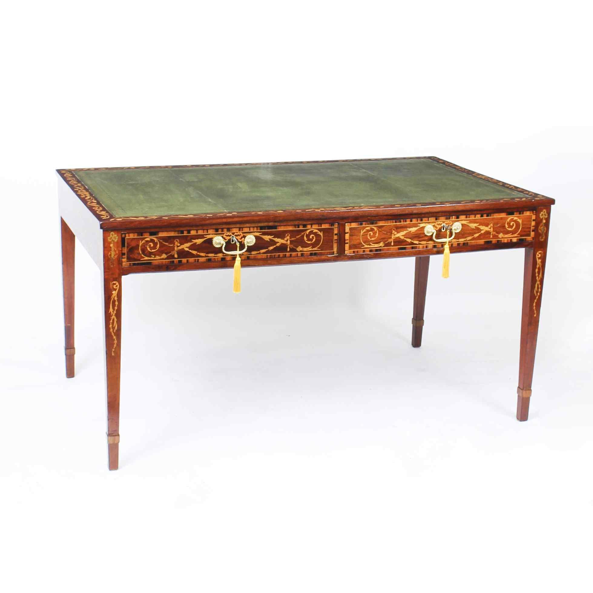 Scrivania da tavolo antica in mogano della biblioteca di Gio