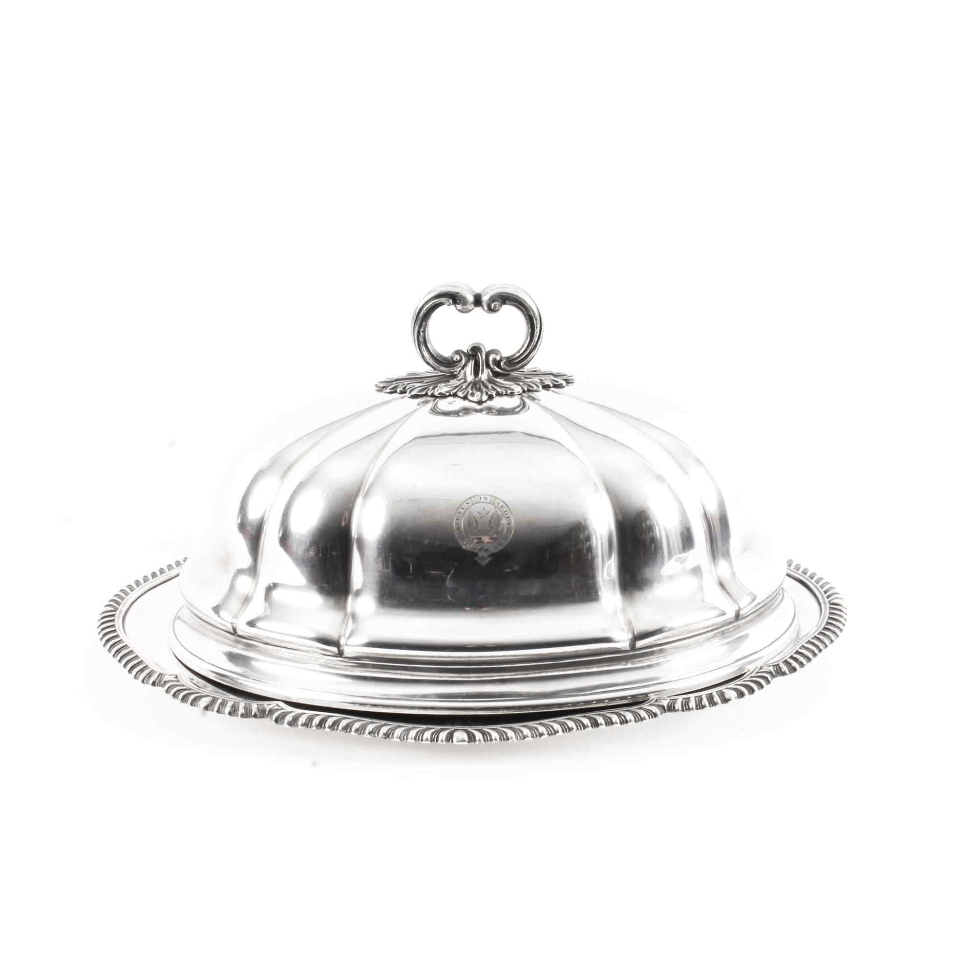 Terrine ovale victorienne ancienne Sheffield ovale et couver