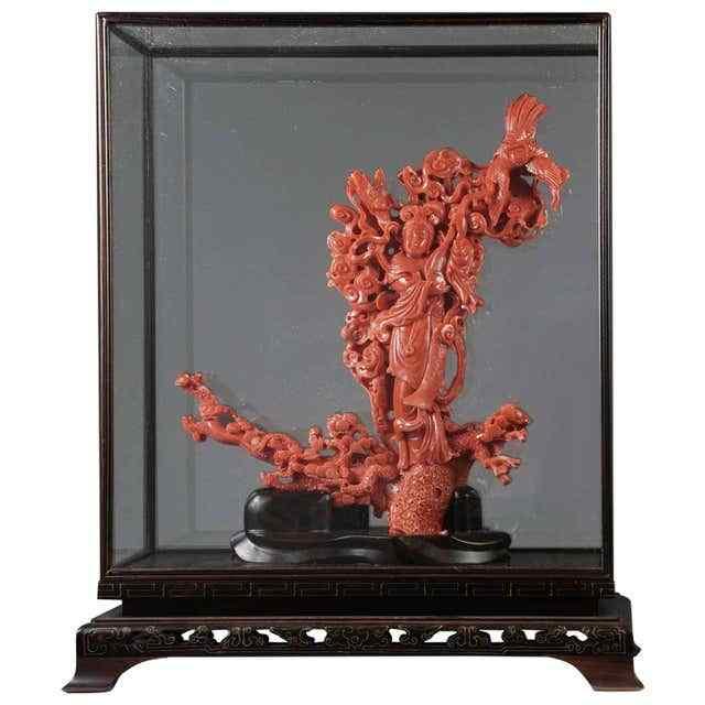 Gruppo figurale di corallo scolpito cinese eccezionale di un