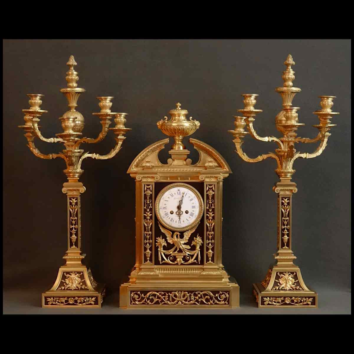 Importante Pendule Et Ses Candelabres De Raingo XIXème