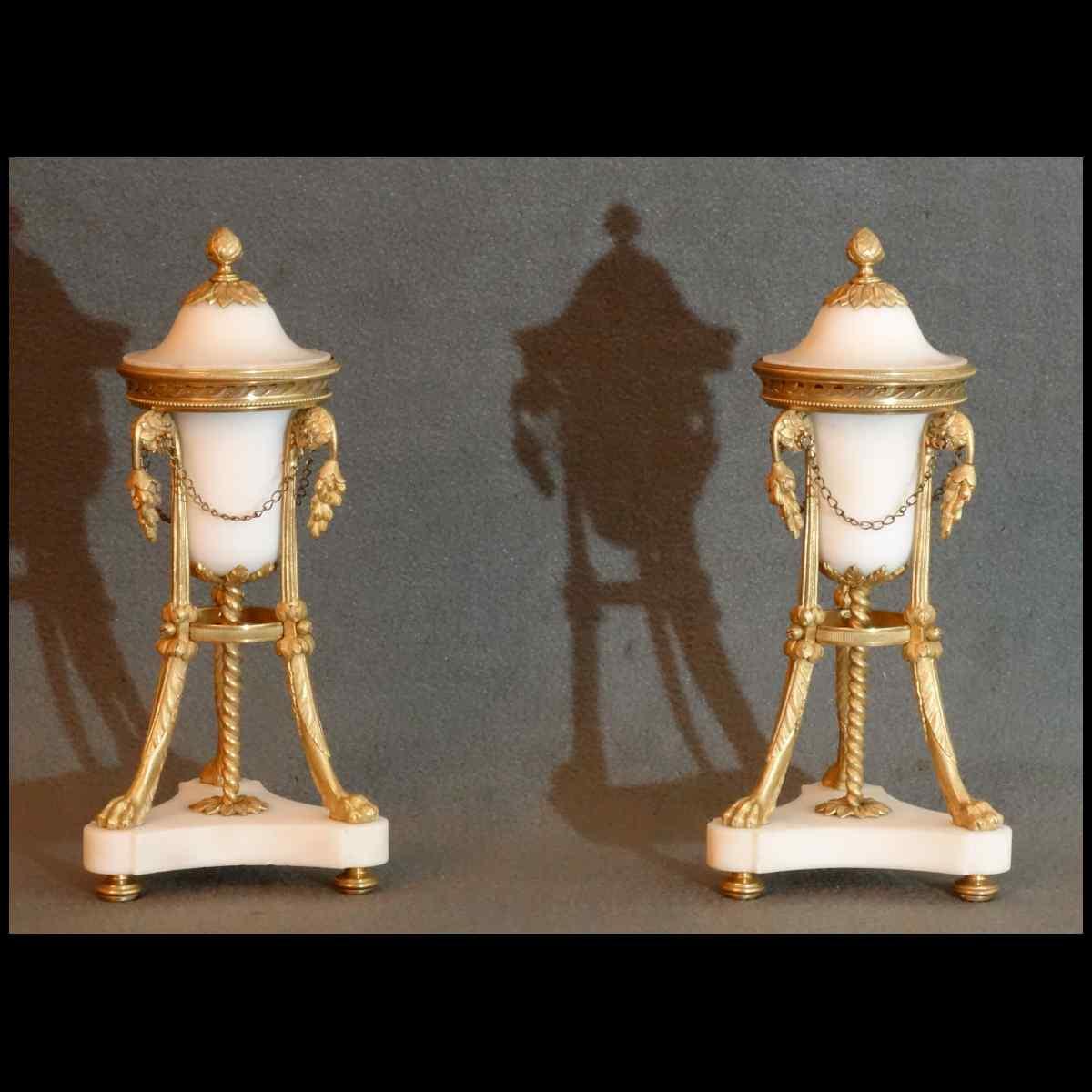 Paire De Pots Pourris Reversibles Epoque Louis XVI