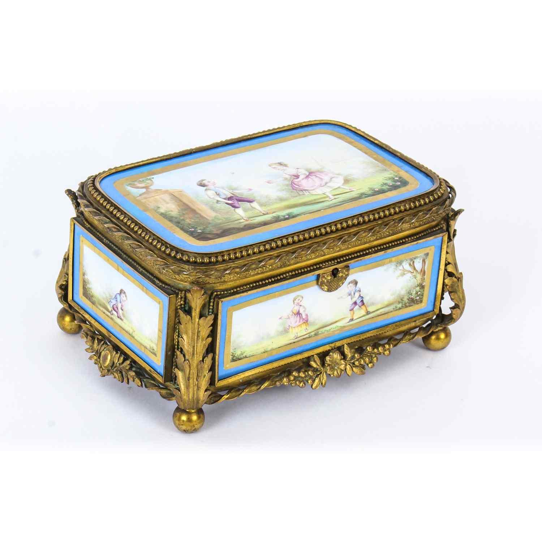 Cofanetto antico in porcellana di Sevres e Ormolu, XIX sec