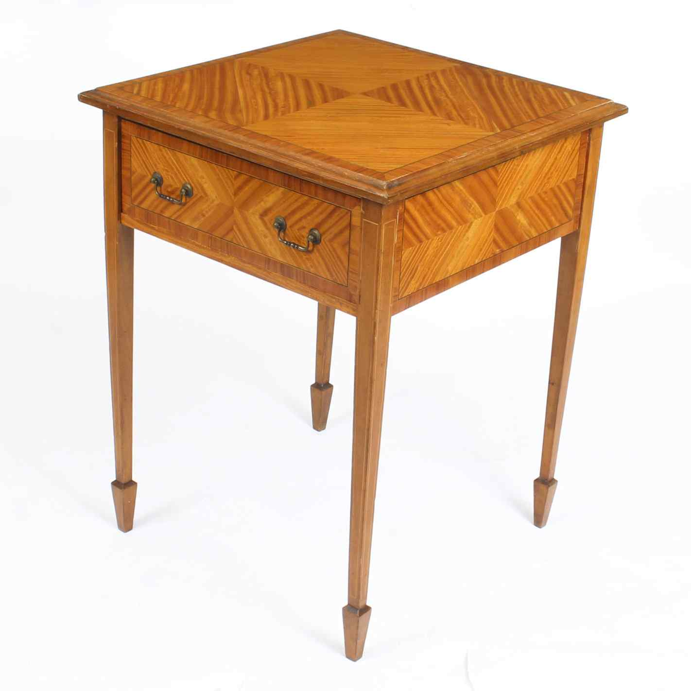 Tavolino antico vittoriano in legno satinato del XIX secolo