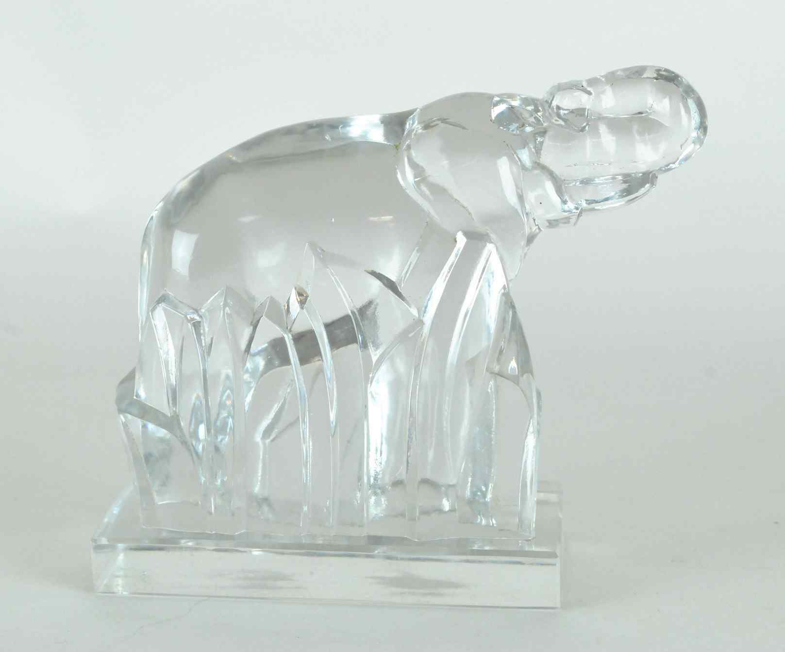 G Chevalier pour Baccarat, Crystal Elephant, XX secolo
