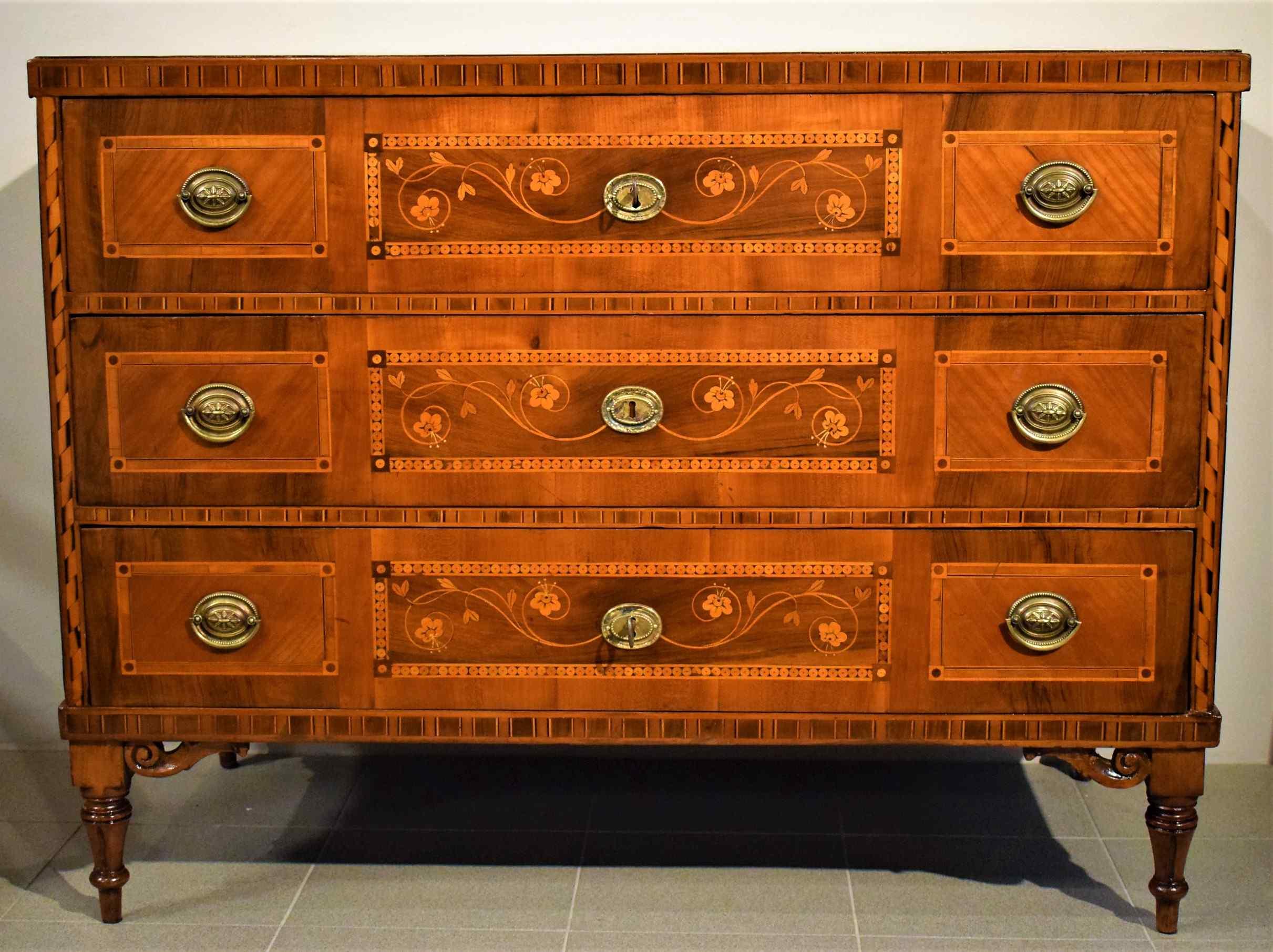 Louis XVI chest of drawers City of TrentoLo