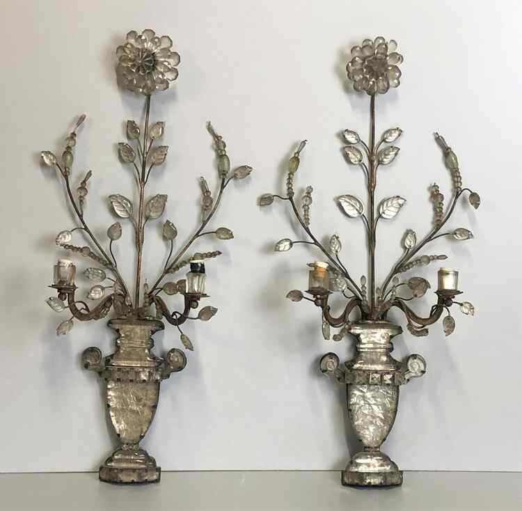 Antique pair of Louis XVI wall lights from the 18th century