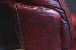 Coppia poltrone Chesterfield bergere in pelle bordeaux-3