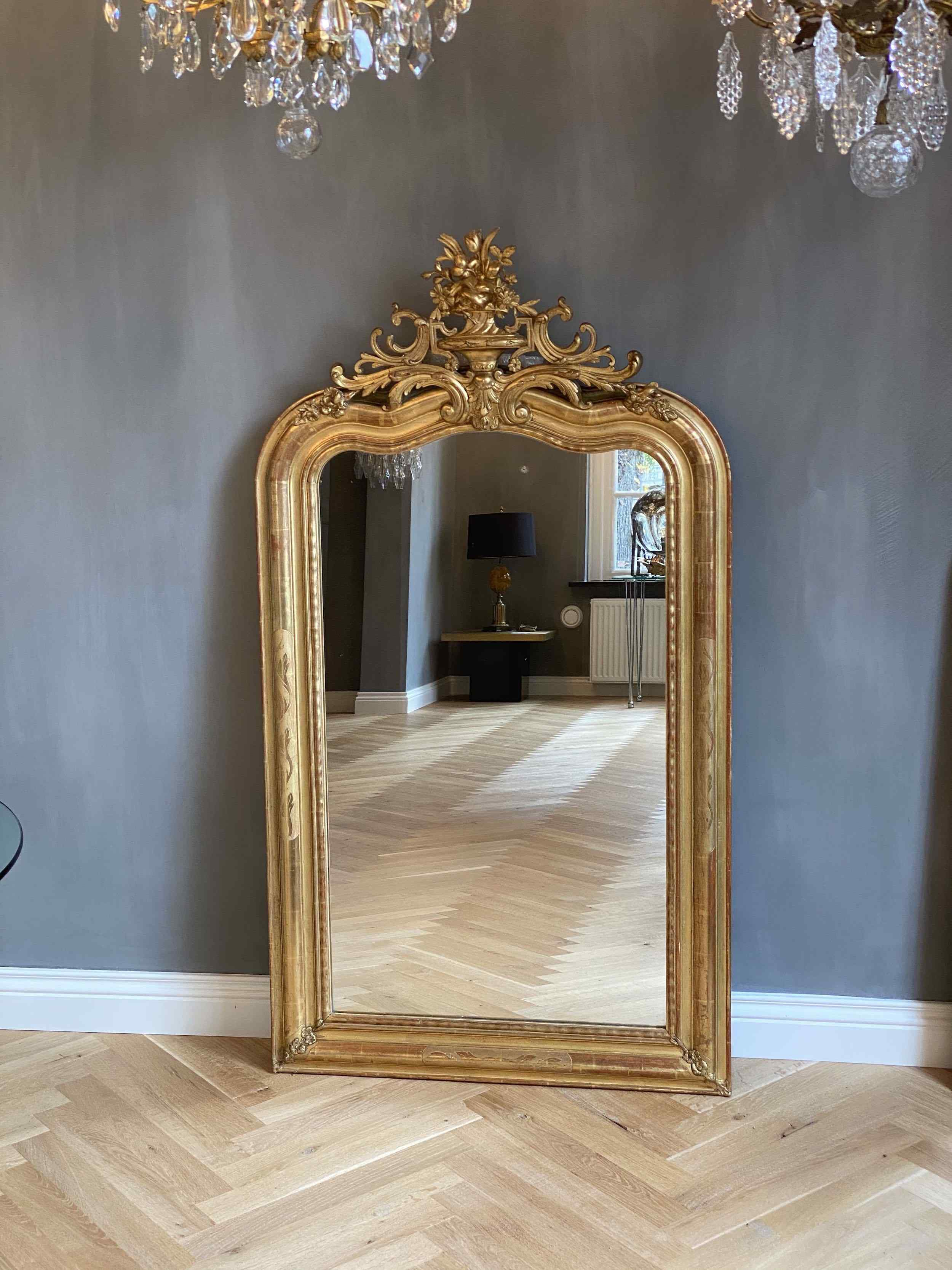 19th c. French mirror with a crest
