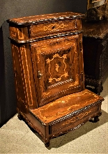 Louis XV kneeler inlaid Piedmont 1740 c.-2