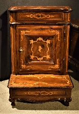 Louis XV kneeler inlaid Piedmont 1740 c.-1