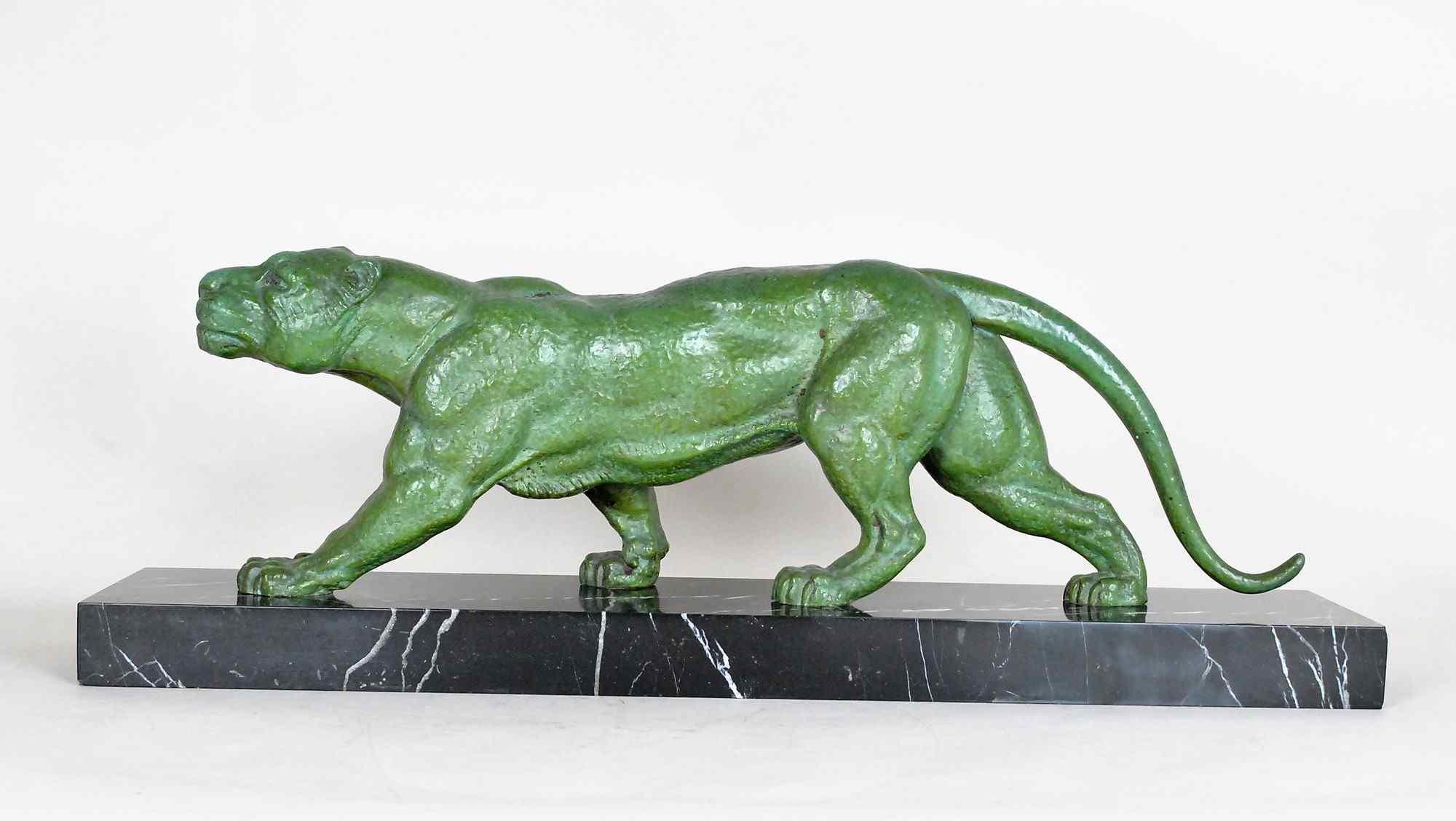 DH Chiparus, pantera che cammina, scultura in metallo firmat