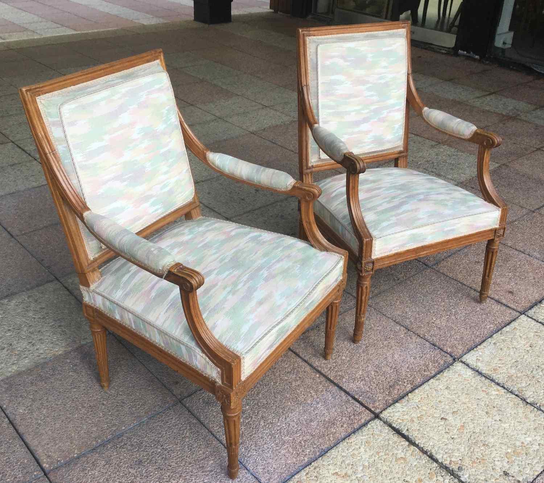 2 fauteuils à dossiers à la Reine époque LOUIS XVI