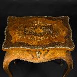 Tavolino da lavoro intarsiato e antico-1