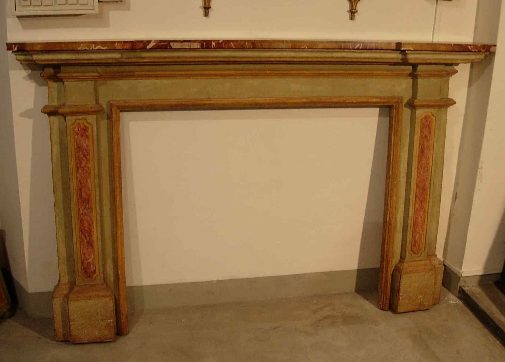 Painted wood fireplace XVIII sec.