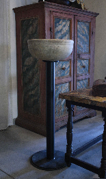 Baptismal font in marble-1