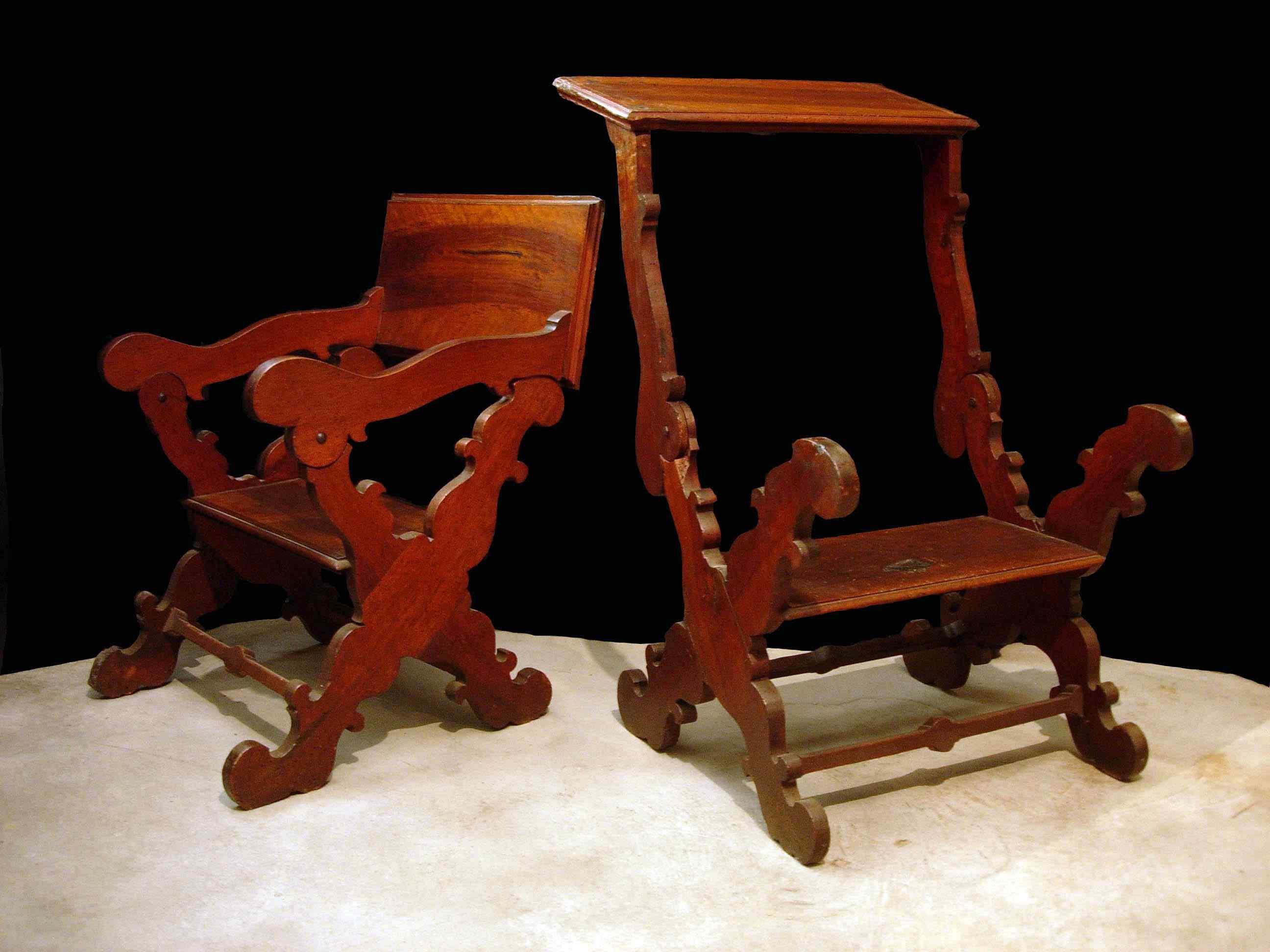 Paire de fauteuils à ciseaux, Toscane, 17ème siècle