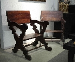 Pair of scissor armchairs, Tuscany, 17th century-3