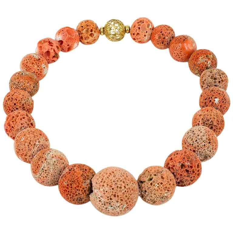 NECKLACE in coral madrepora