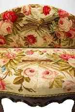 Canapé Louis XVI recouvert d'une tapisserie d'Aubusson du XV-4