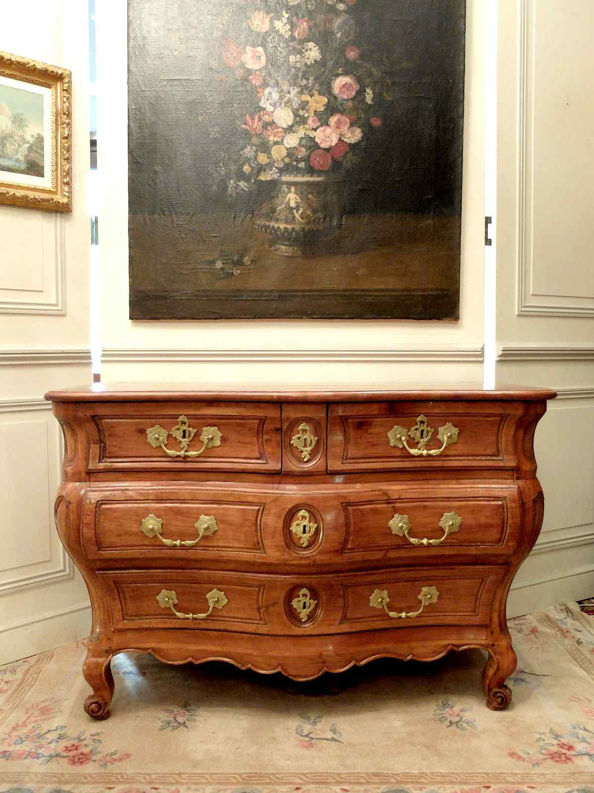 Commode d'époque Louis XV du sud-ouest de la France